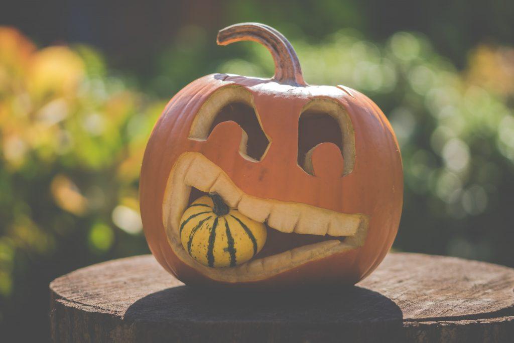 Fall Activity Pumpkin Carving